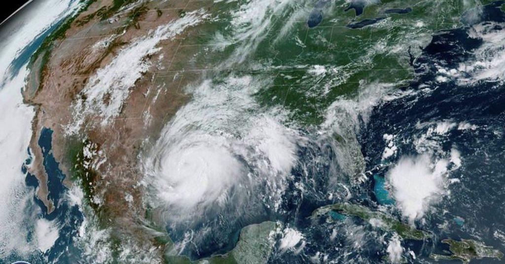 El huracán Hanna tocó tierra en Texas con vientos de 145 mph