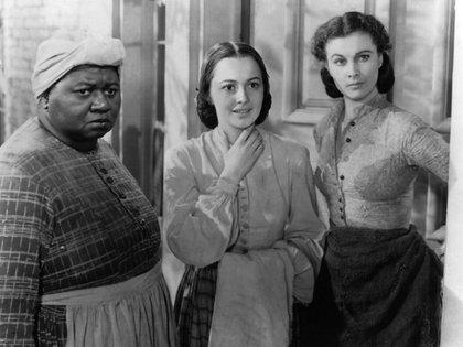 Hattie McDaniel, Olivia de Havilland y Vivien Leigh en