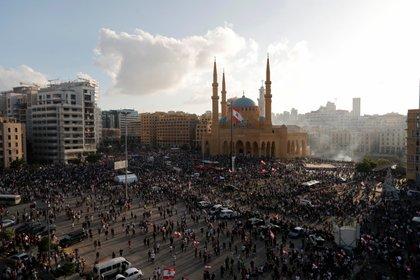 Después de intentar ingresar al Parlamento, un grupo logró ingresar al Ministerio de Relaciones Exteriores (REUTERS / Thaier Al-Sudani)