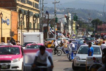 Las autoridades sanitarias federales no descartaron que alguno de los seis estados con descensos en las infecciones pudiera pasar a un semáforo amarillo (Foto: Edgard Garrido / Reuters)