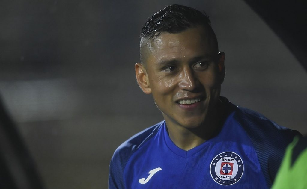 Julio César Domínguez, hospitalizado por infección pulmonar
